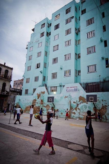 Fotografia. Cuba, esperando el pasaje  Havana21