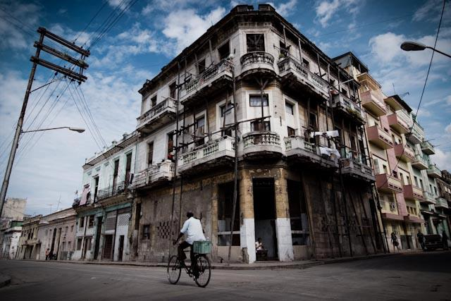 Fotografia. Cuba, esperando el pasaje  Havana22