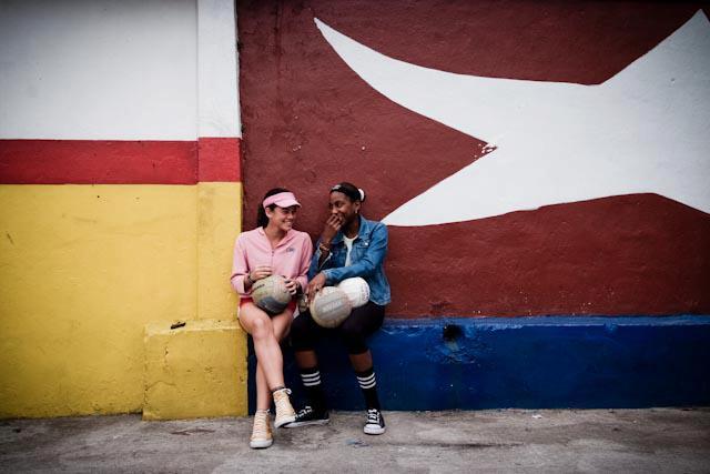 Fotografia. Cuba, esperando el pasaje  Havana23