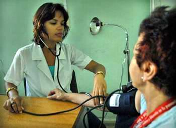 Agonías del chequeo médico para viajar Medico10