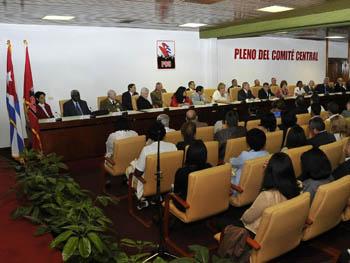 Sesionó VI Pleno del Comité Central del Partido Pleno_10