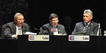 Raúl Castro: Esperen mi discurso del domingo  Raul-b10