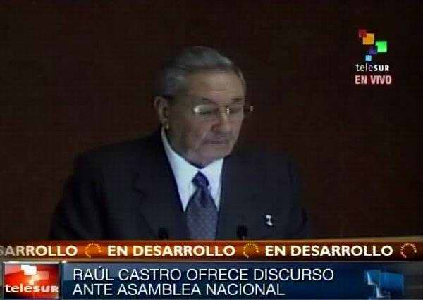 Raúl Castro: A mí no me eligieron Presidente para entregar la Revolución  Raulca10