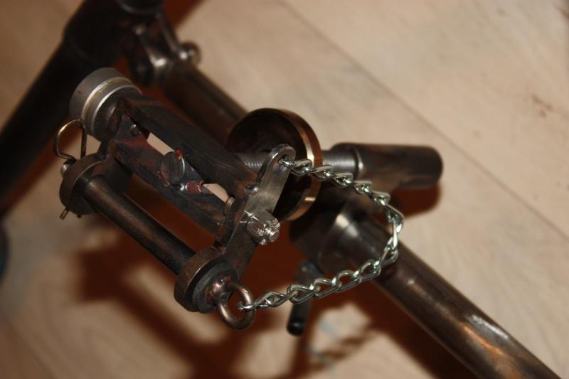 fabrication d'un trépied M2 pour browning cal.30 Img_5513