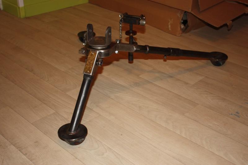 fabrication d'un trépied M2 pour browning cal.30 Img_5527