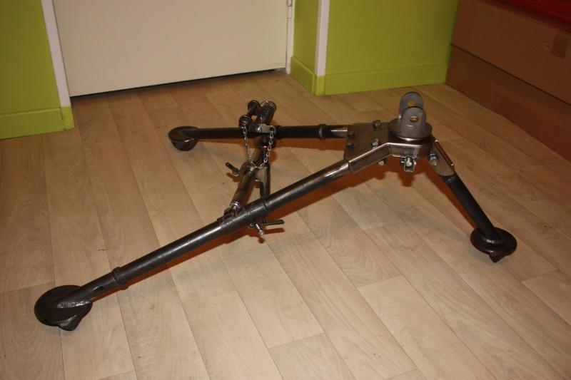 fabrication d'un trépied M2 pour browning cal.30 Img_5528