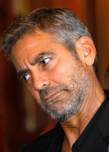George Clooney George Clooney George Clooney! - Page 17 Cloone19