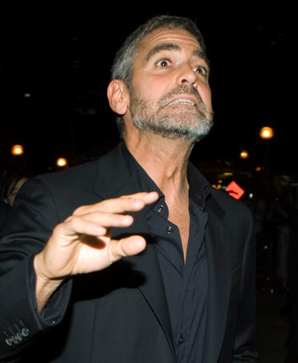 George Clooney George Clooney George Clooney! - Page 17 Cloone23