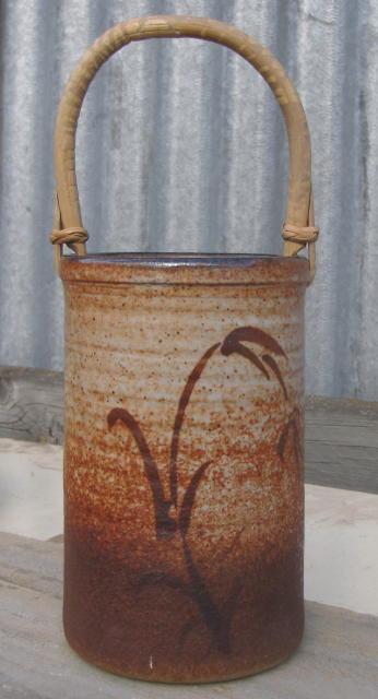 Beautiful pot without a mark Img_0016
