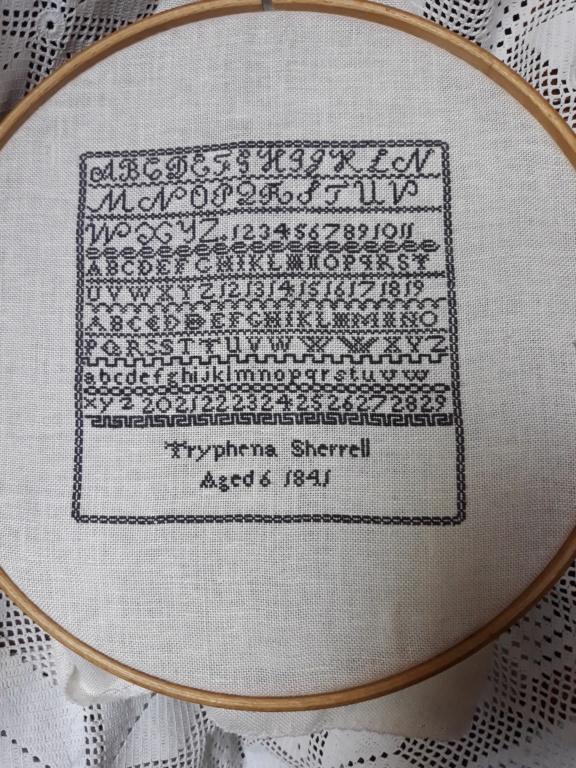 SAL Thryphéna Sherrell 1841 d'Histoire de Lin Prochaine photo le 20 Aoüt 20190811