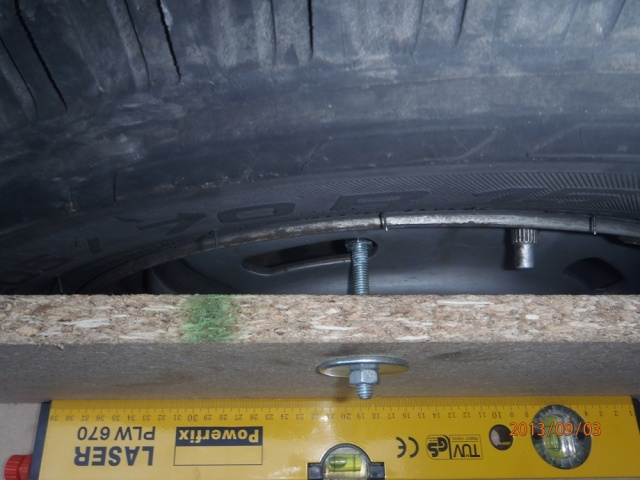 Réglage du parallélisme des roues avant P9030011