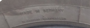 """Les pneus de marque """"Voyager"""" P9210011"""