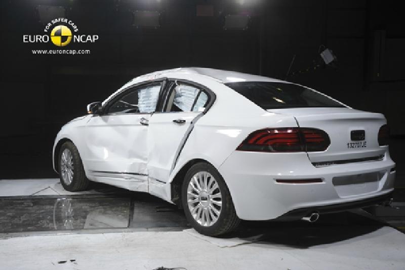 2012 - [Qoros] 3 Sedan - Page 5 Q311