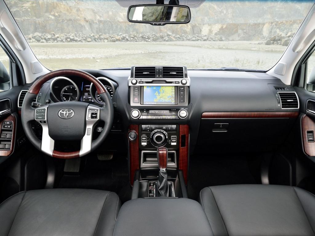 2009/13 - [Toyota/Lexus] Land Cruiser / GX Restylés - Page 4 Toyota13