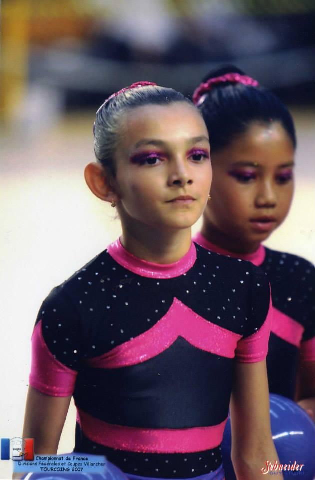Les gymnastes lorsqu'elles étaient très jeunes - Page 2 12352910
