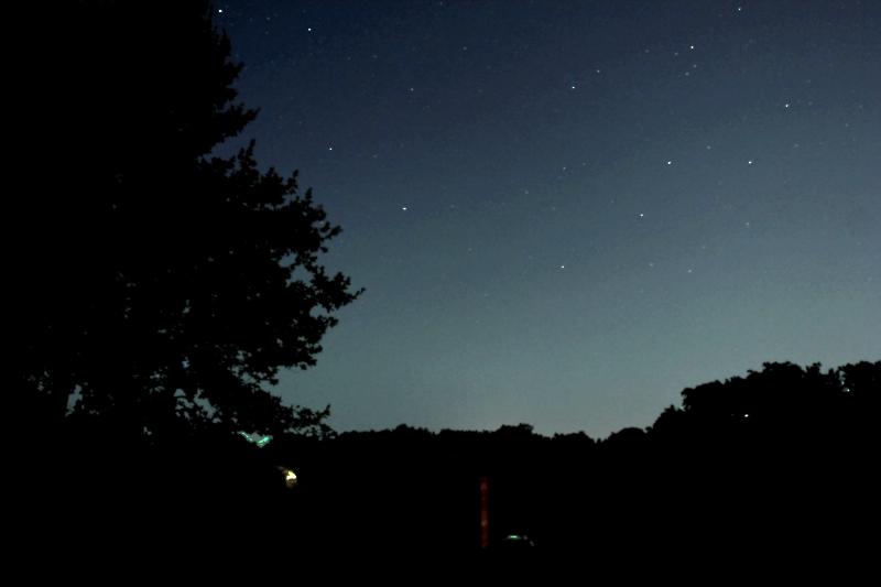 A la lumière de la Lune ..... et de Montauban Versmo10