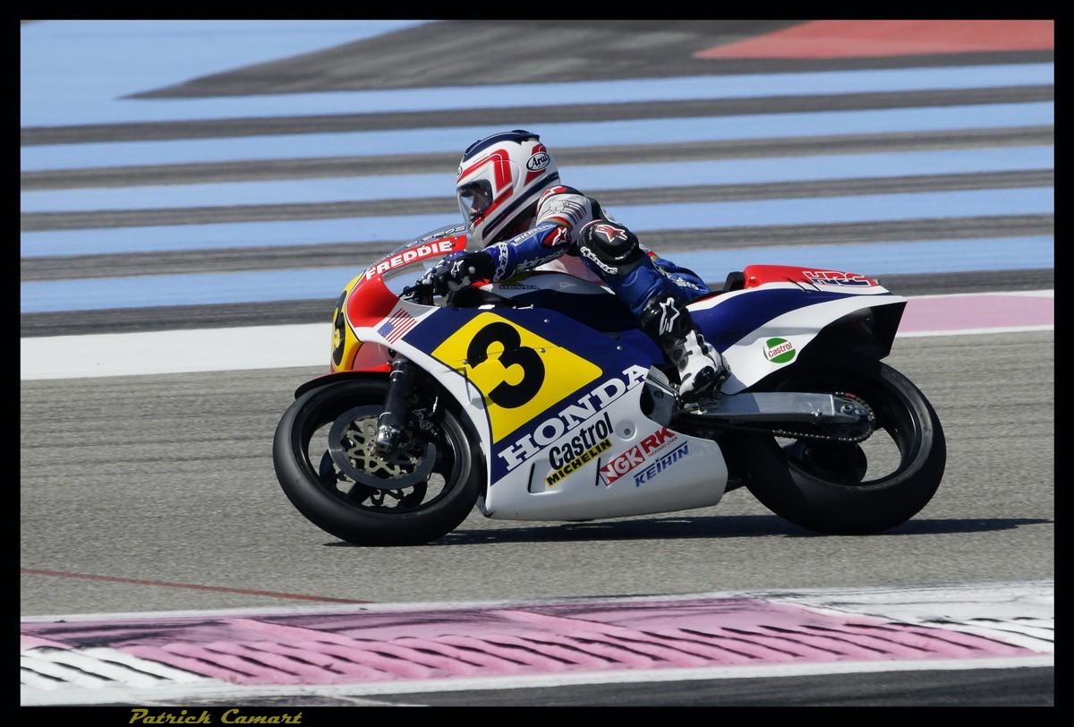 Vieilles Gloires : Pilotes et motos au Paul Ricard avril 2013 . B1_2c_10