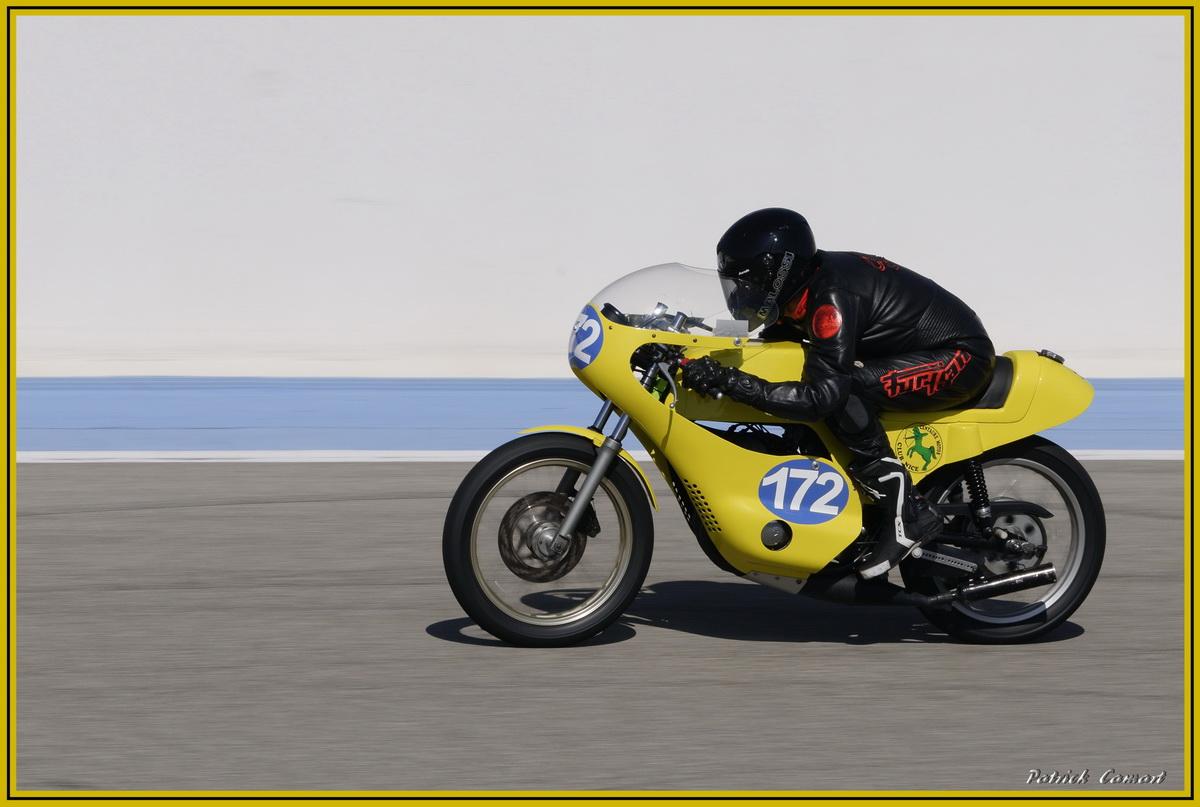 Vieilles Gloires : Pilotes et motos au Paul Ricard avril 2013 . C5_dsc10