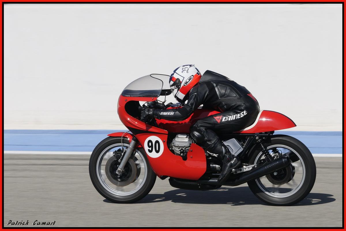 Vieilles Gloires : Pilotes et motos au Paul Ricard avril 2013 . E2_dsc10