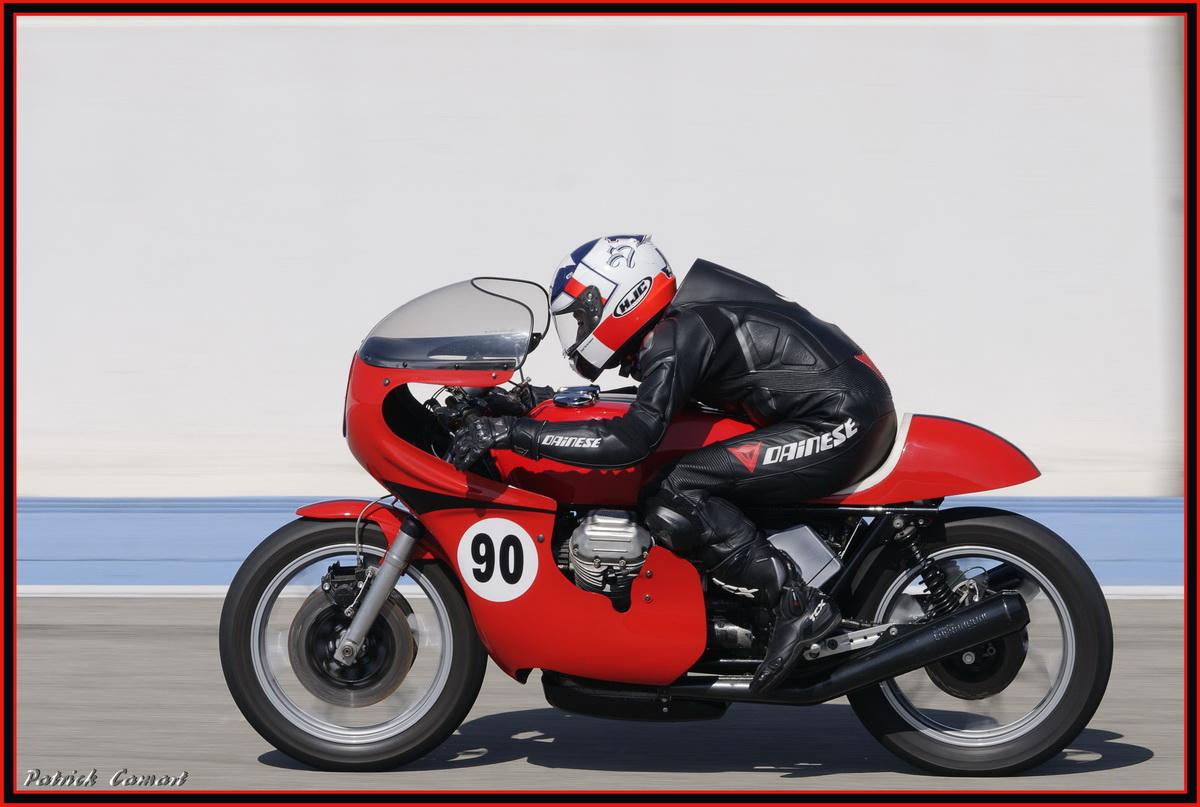 Vieilles Gloires : Pilotes et motos au Paul Ricard avril 2013 . E3_dsc10
