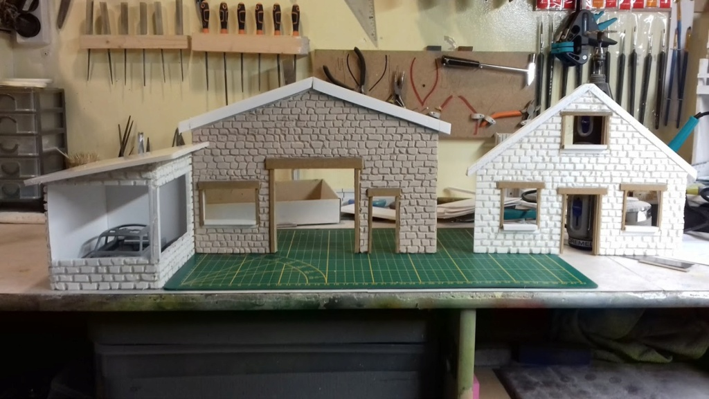 diorama pour fond de vitrine  - Page 2 20210487