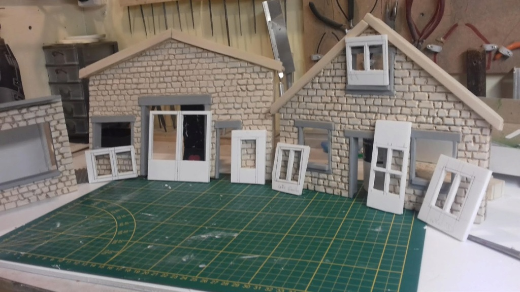 diorama pour fond de vitrine  - Page 2 20210499