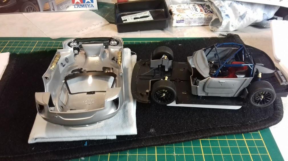MERCEDES AMG GT3 TAMIYA 1/24 - Page 2 20210659