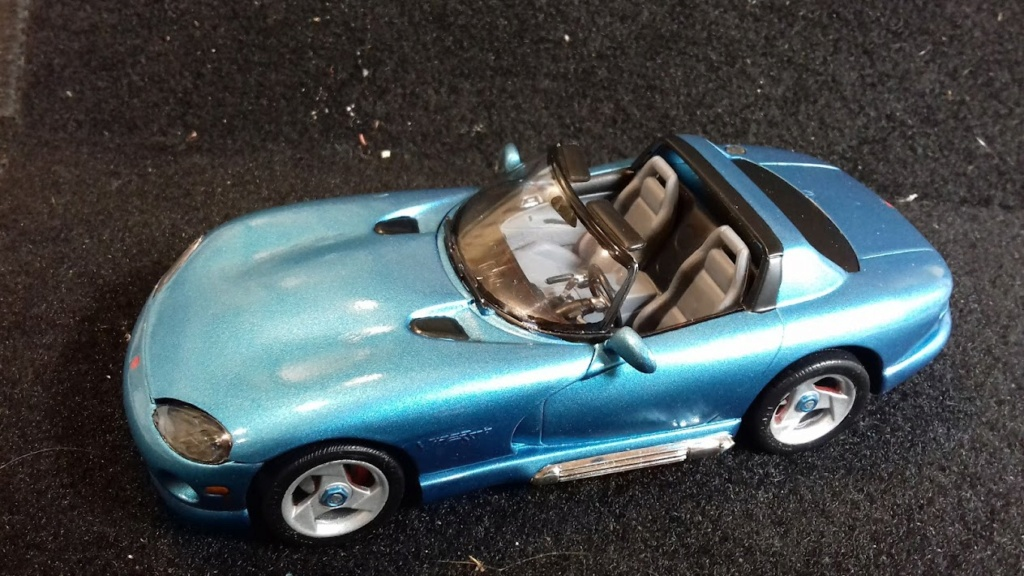 From The Box - DODGE VIPER R/T 10 Revell au 1/25 *** Terminé en pg 2 - Page 2 20210918