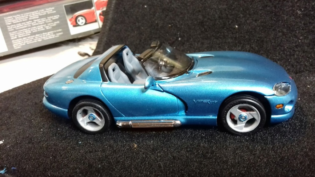 From The Box - DODGE VIPER R/T 10 Revell au 1/25 *** Terminé en pg 2 - Page 2 20210920