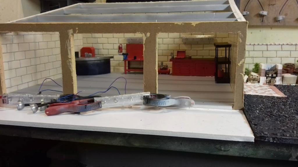 construction d'un garage au 1/24 (FINI ) - Page 2 20211050