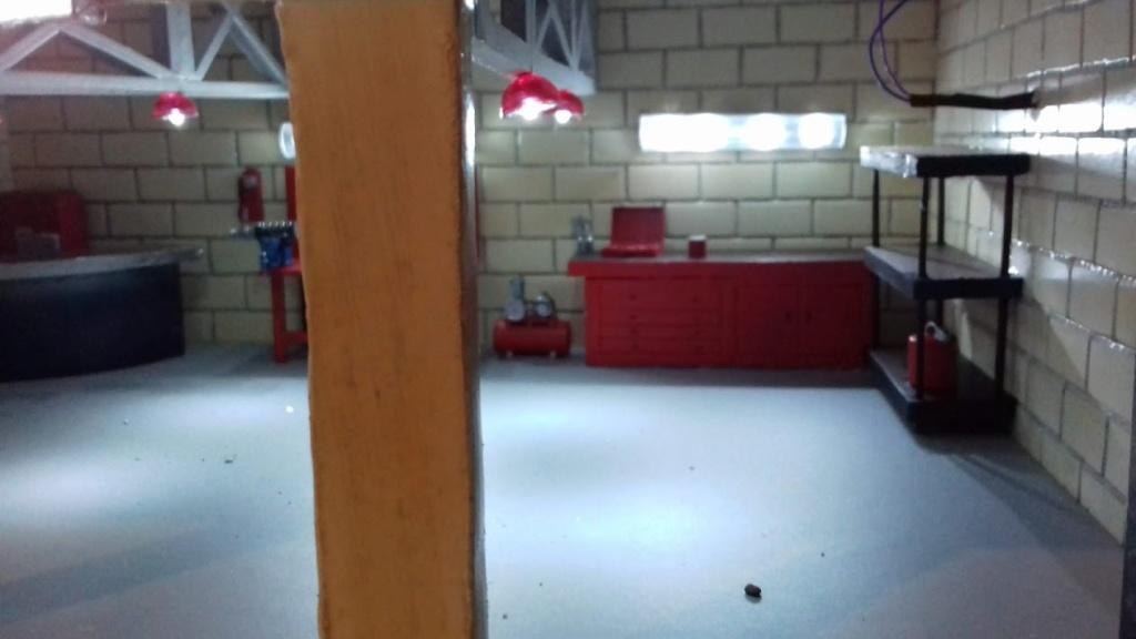 construction d'un garage au 1/24 (FINI ) - Page 2 20211063