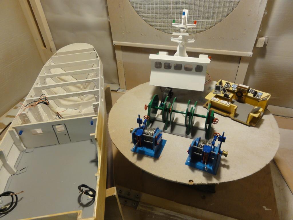 bateau pêche arrière  Dsc00108