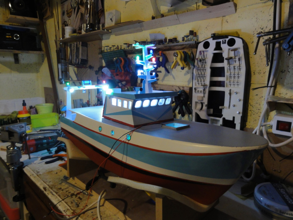 bateau pêche arrière  Dsc00120