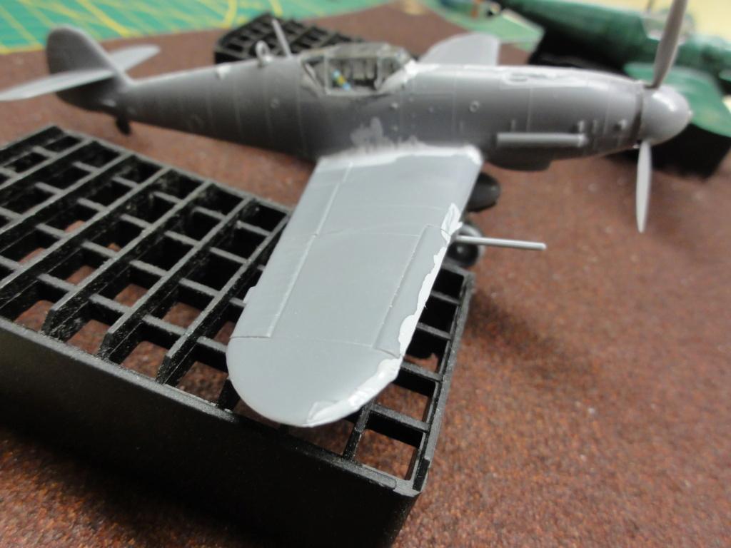 Heller - Messerchmitt Bf-109 - 1/72 : le Scratcheur se lance - Page 2 Dsc00451