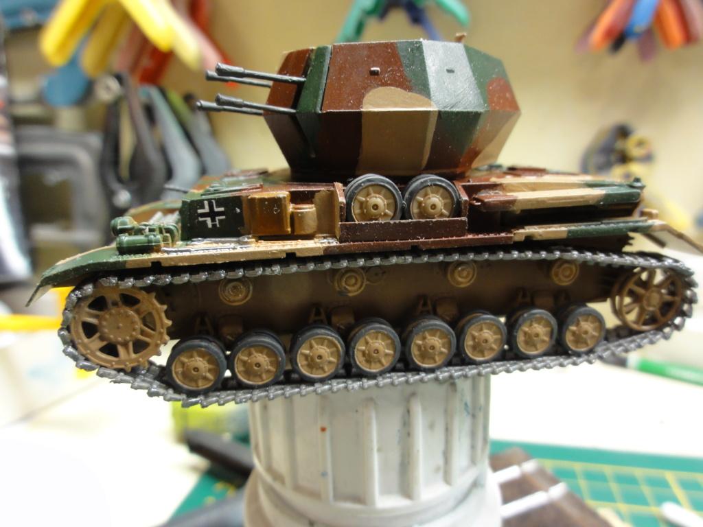 1er diorama avec blindés allemands au 1/72 Dsc00631