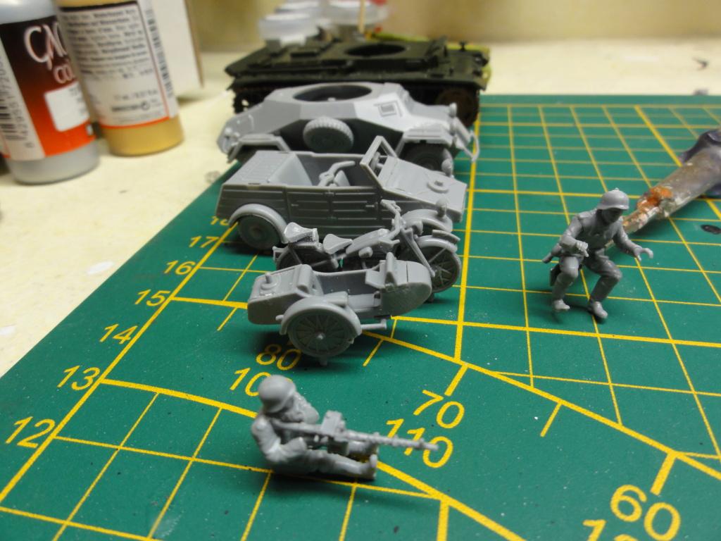 1er diorama avec blindés allemands au 1/72 - Page 2 Dsc00644