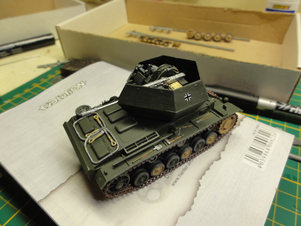 1er diorama avec blindés allemands au 1/72 - Page 2 Dsc00646