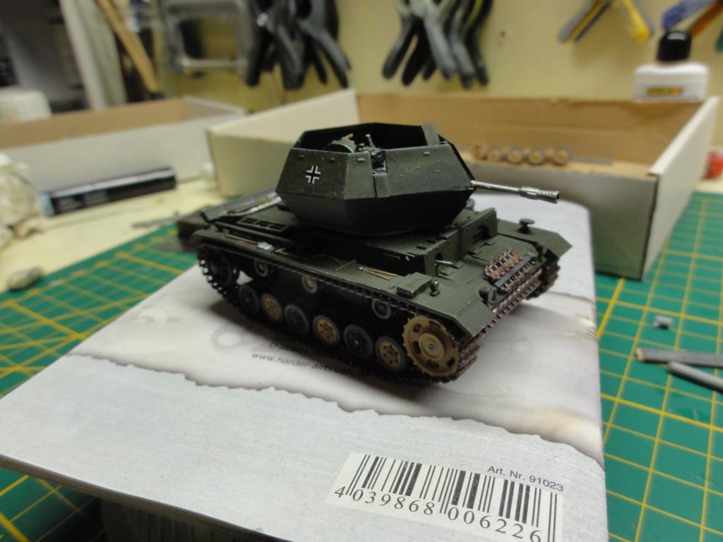 1er diorama avec blindés allemands au 1/72 - Page 2 Dsc00648
