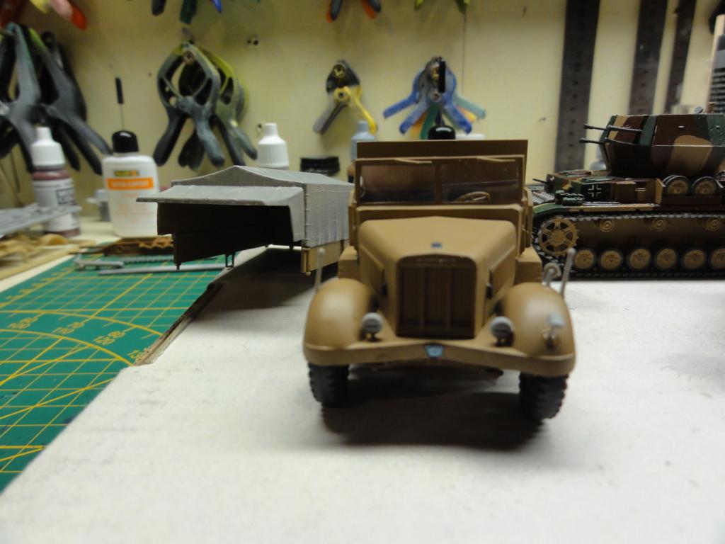 1er diorama avec blindés allemands au 1/72 - Page 3 Dsc00657