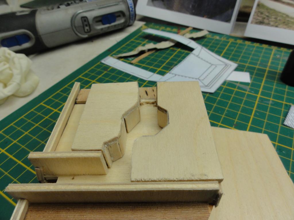 1er diorama avec blindés allemands au 1/72 - Page 4 Dsc00682