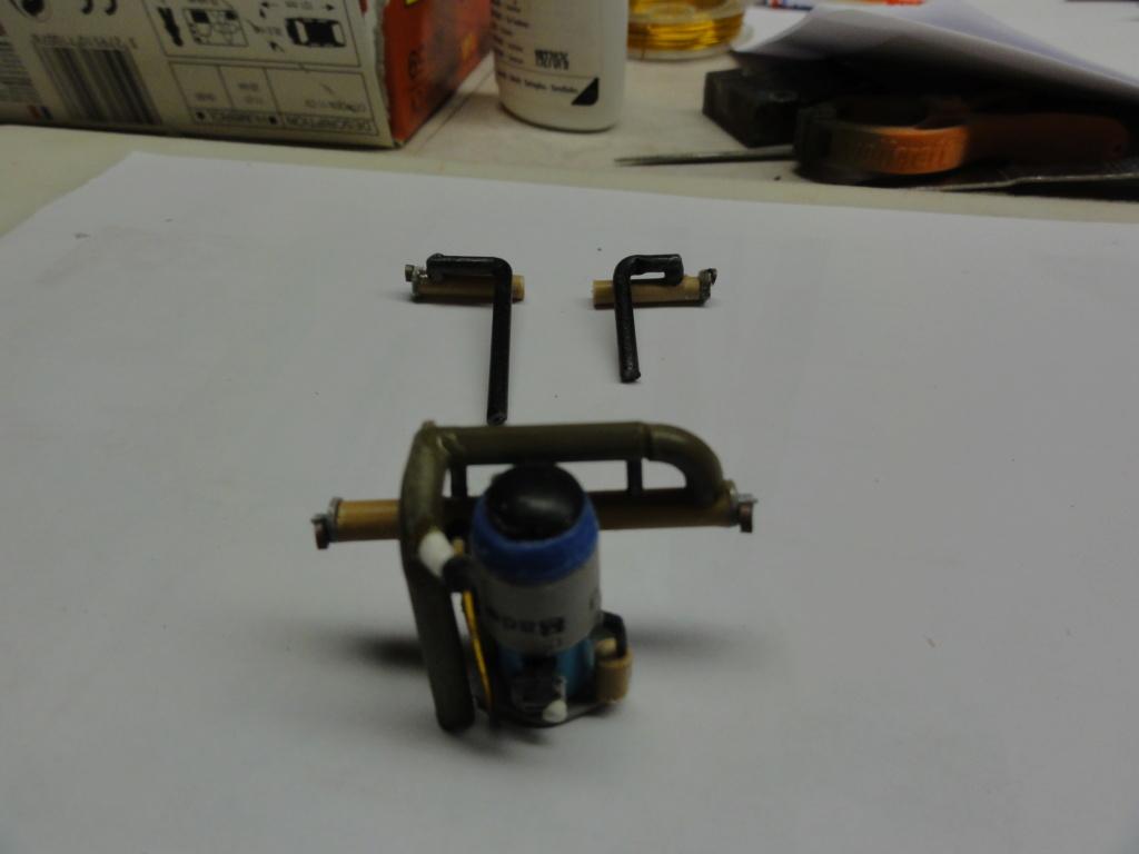 traction 1/43 heller avec son gazogène ,finie  Dsc00710