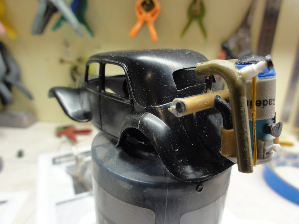 traction 1/43 heller avec son gazogène ,finie  Dsc00713
