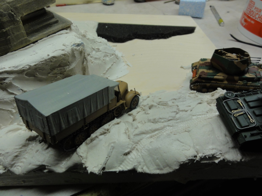 1er diorama avec blindés allemands au 1/72 - Page 6 Dsc00724
