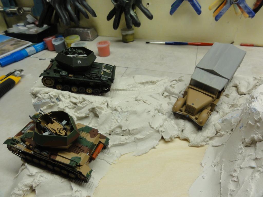 1er diorama avec blindés allemands au 1/72 - Page 6 Dsc00725