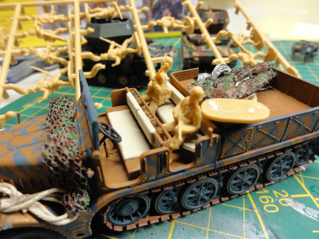 1er diorama avec blindés allemands au 1/72 - Page 7 Dsc00785