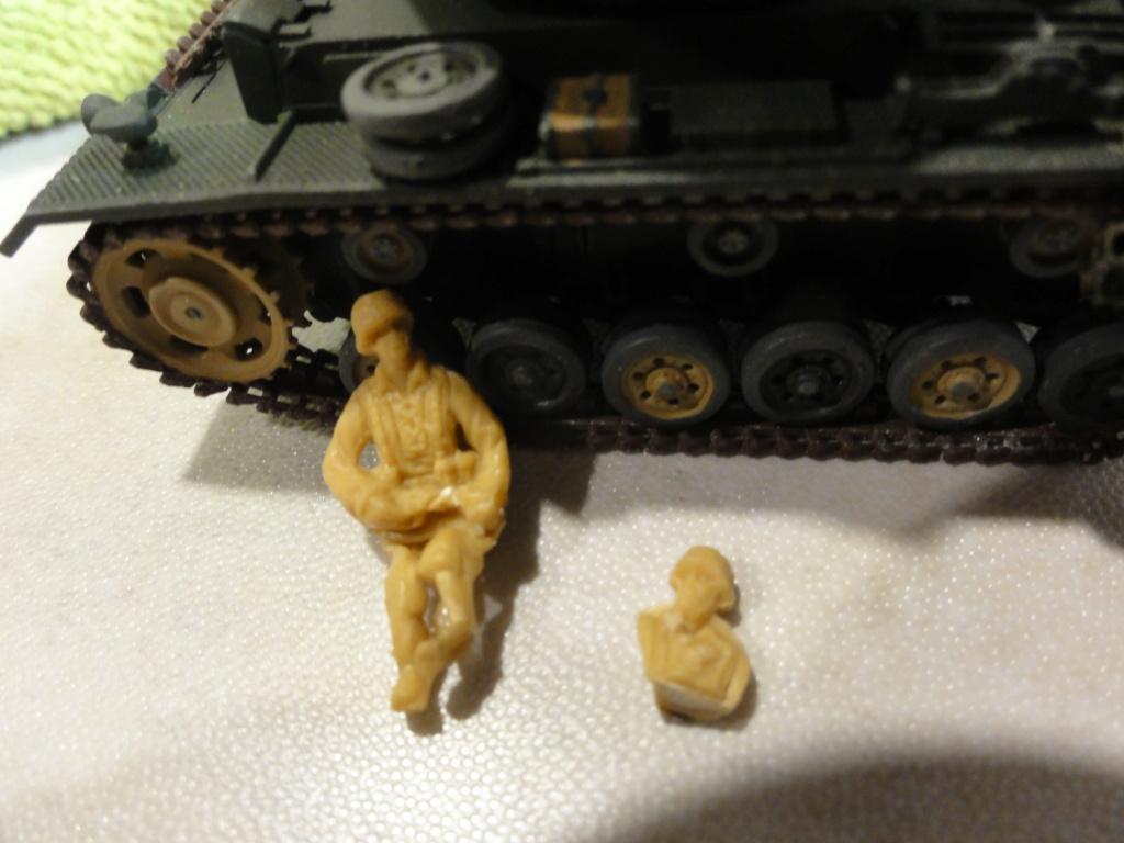 1er diorama avec blindés allemands au 1/72 - Page 7 Dsc00791