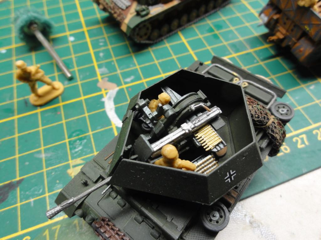 1er diorama avec blindés allemands au 1/72 - Page 7 Dsc00792