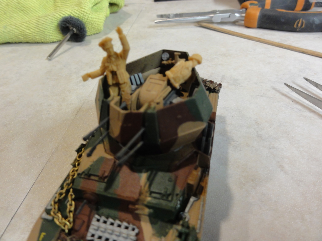 1er diorama avec blindés allemands au 1/72 - Page 7 Dsc00796