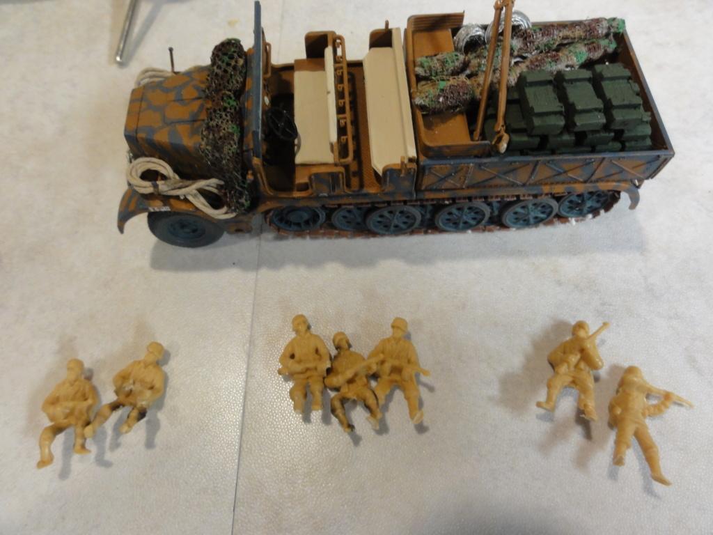 1er diorama avec blindés allemands au 1/72 - Page 7 Dsc00797