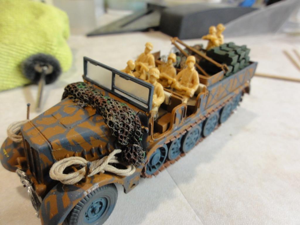 1er diorama avec blindés allemands au 1/72 - Page 7 Dsc00798